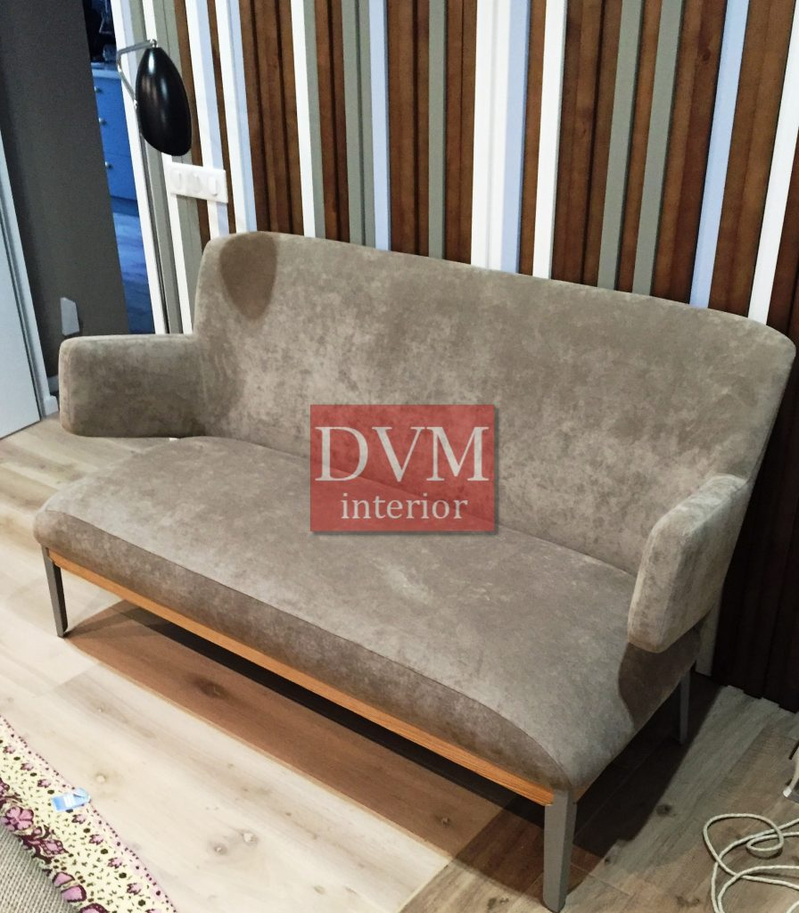 Divan na metallicheskom karkase 896x1024 - Фото мягкой мебели