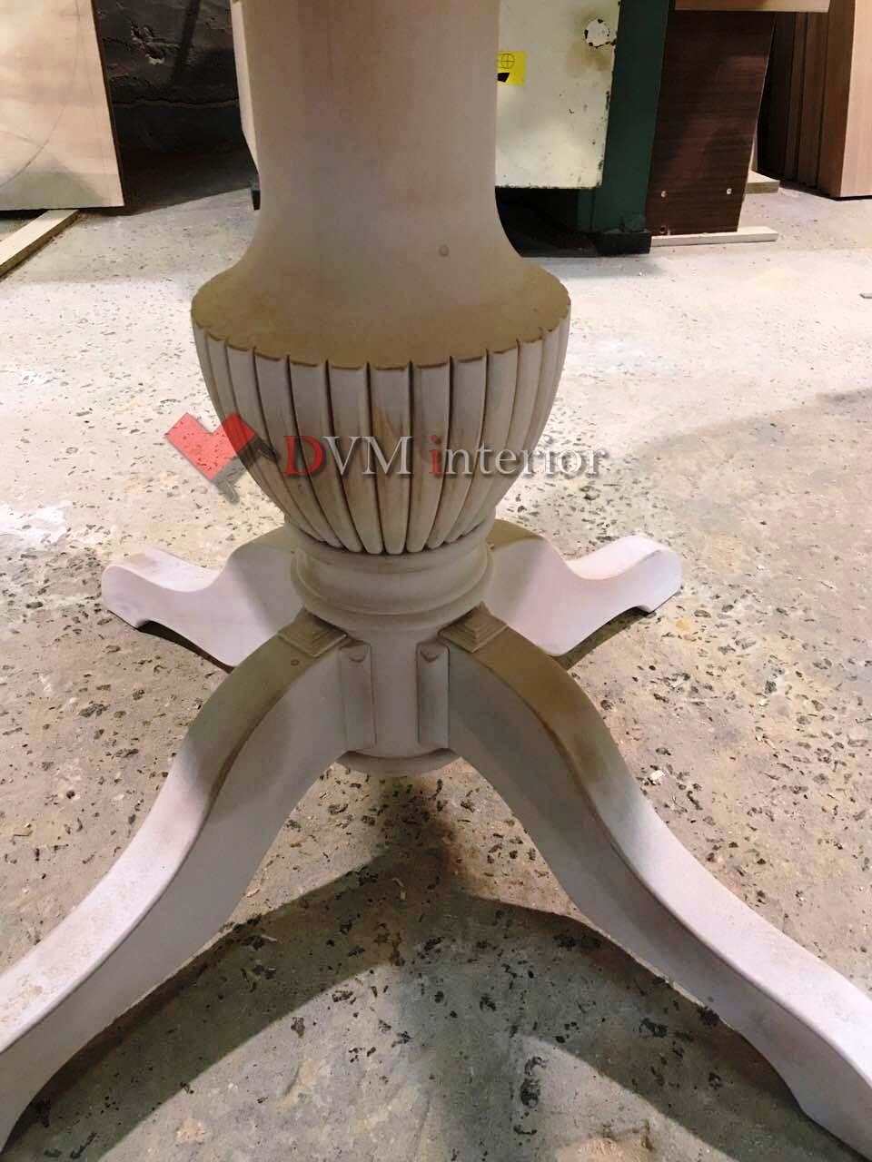 Stol iz dereva kruglyiy - Стол из дерева круглый